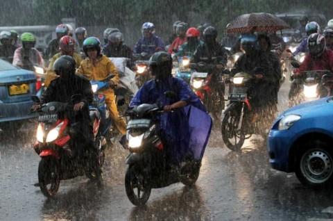 Riding Saat Hujan Bisa Menyenangkan, Berikut Triknya