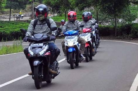 Tips Safety Riding, Ini Alasan Kenapa Pandangan Harus Jauh Ke Depan