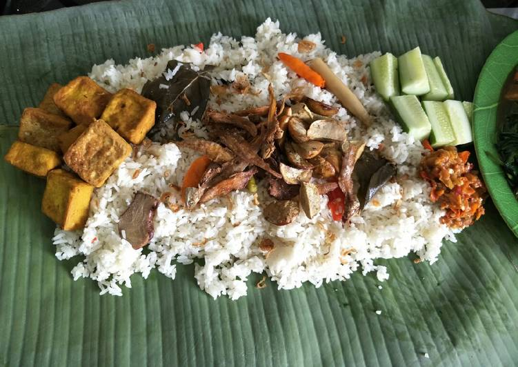 Yuk Cobain Nasi Liwet Makanan Khas Nusantara
