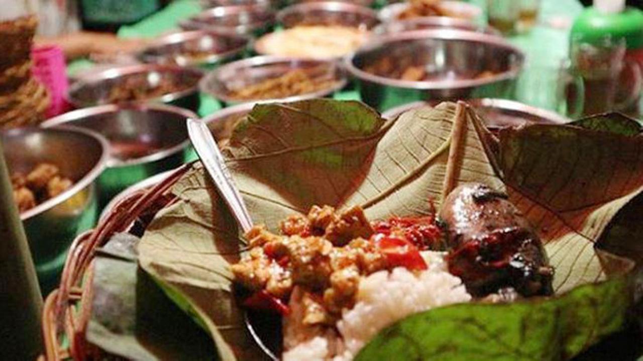 Nasi Jamblang Kuliner Khas Cirebon Pantang Dilewatkan Kalau Ke Cirebon