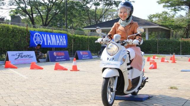 Cara Aman dan Tetap Tampil Stylish Buat Ladies Bikers