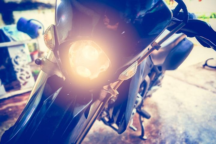 Kamu Harus Tahu Kenapa Lampu Motor Harus Menyala Siang Hari