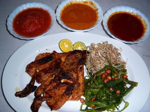Kuliner Khas Lombok Yang Wajib Dicoba Saat Melancong ke Lombok