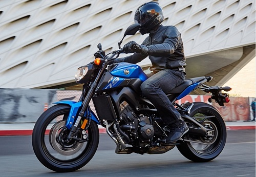 Yamaha FZ-09 Salah Satu Motor Sport Terbaik Yamaha