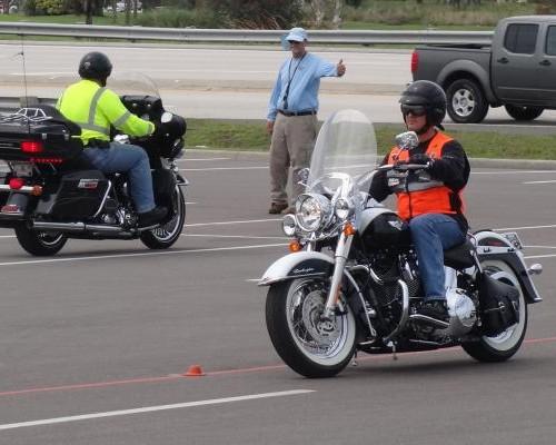 Tips Safety Riding, Begini Cara Aman Saat Akan Berkendara