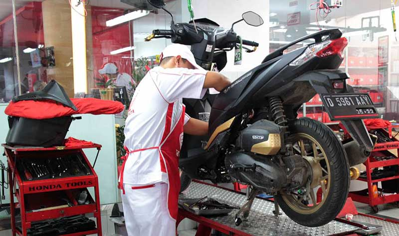 5 Kesalahan Yang Bikin Hangusnya Garansi Motor Honda