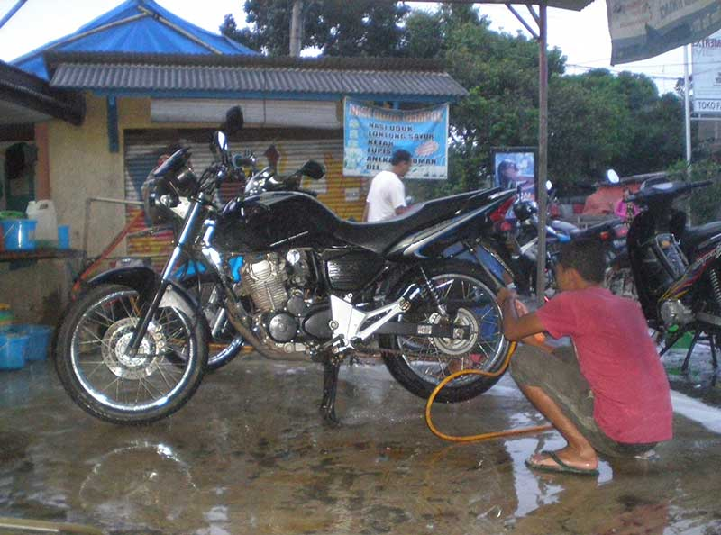 Jangan Sembarangan Cuci Motor, Bisa Fatal Akibatnya