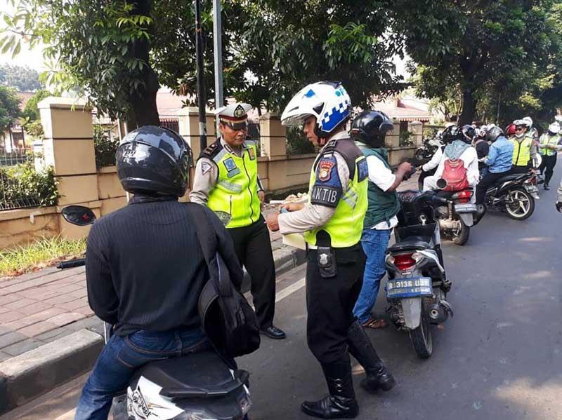 Mudik Boncengan Lebih Dari 2 Orang Bakal Diturunkan Oleh Polisi