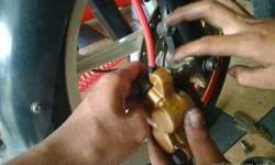 Cara Mudah Cek Kampas Rem Habis Pada Motor Matic