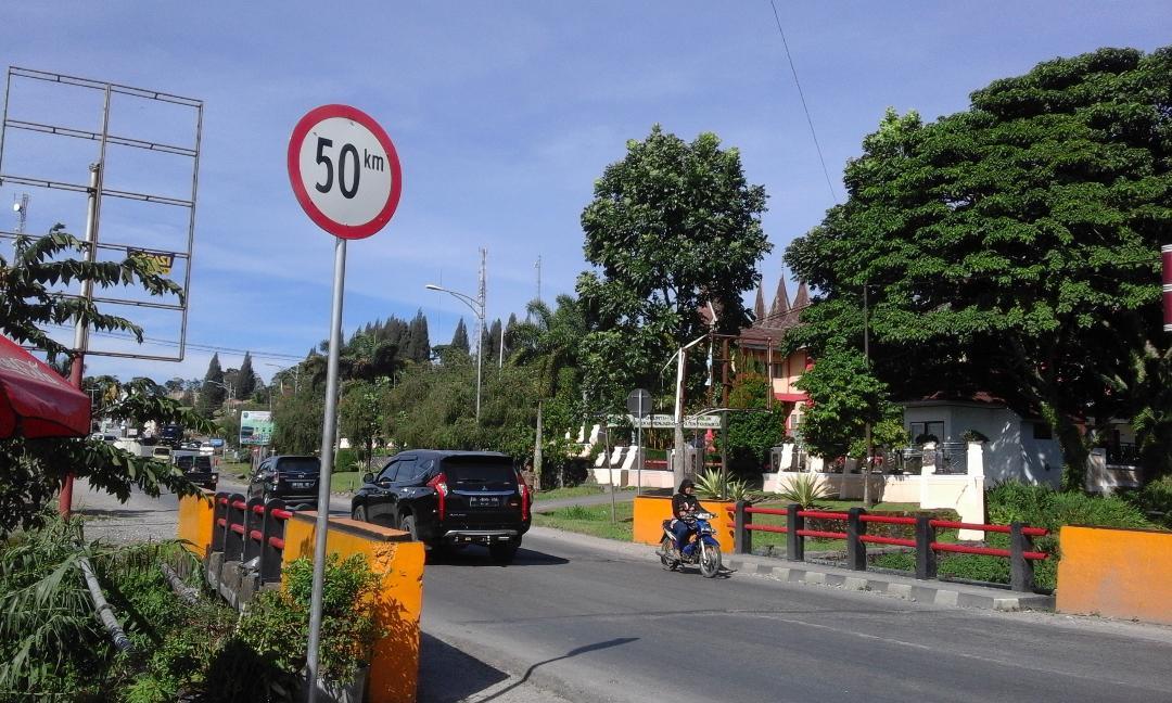 Mengenal Rambu Lalu lintas Yang Wajib Kamu Patuhi Supaya Tetap Selamat