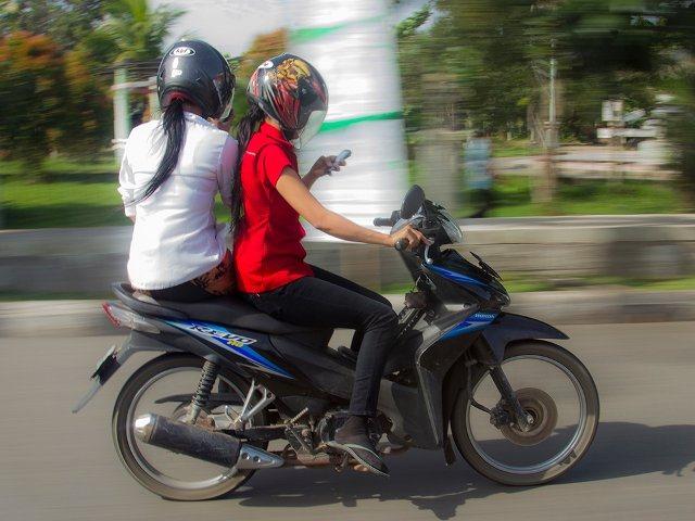 Perilaku Buruk Pengendara Motor Yang Membahayakan Orang Lain