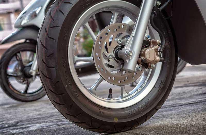 Solusi Perawatan Ban Motor Supaya Tidak Cepat Botak