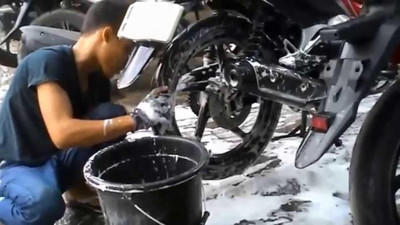 Dampak Buruk Jika Mencuci Motor Mesin Masih Panas