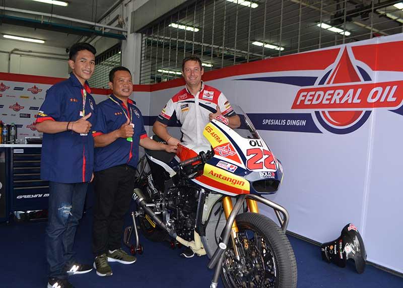Sehari Jadi Mekanik Federal Oil Gresini Moto2, Begini  Kata Dua Mekanik Asal Bali