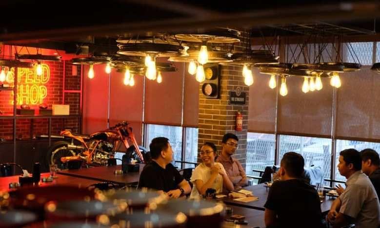 Cafe Bernuansa Otomotif Ini Bisa Jadi Solusi Kumpul Bareng Teman Komunitas Kamu
