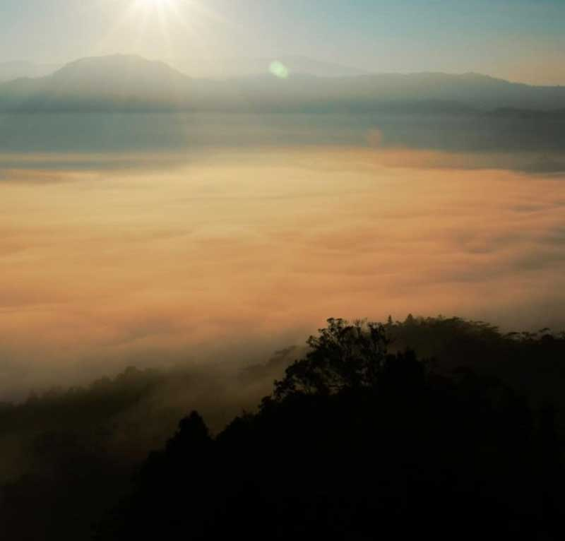 Jalur Menuju Wisata Negeri Di Atas Awas Citorek Banten
