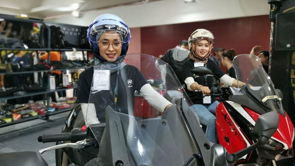 Cargloss Hadirkan Helm Khusus Buat Lady Bikers Berhijab