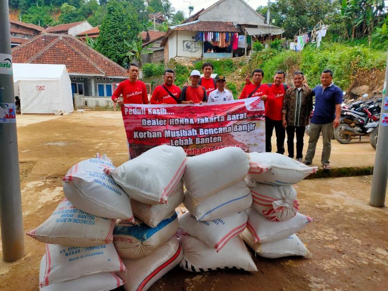 Dealer Honda Jakarta Barat 'Patungan' Donasi Lebak