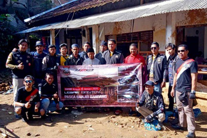 Komunitas Honda PCX Tangerang Sunmori Sekaligus Bakti Sosial