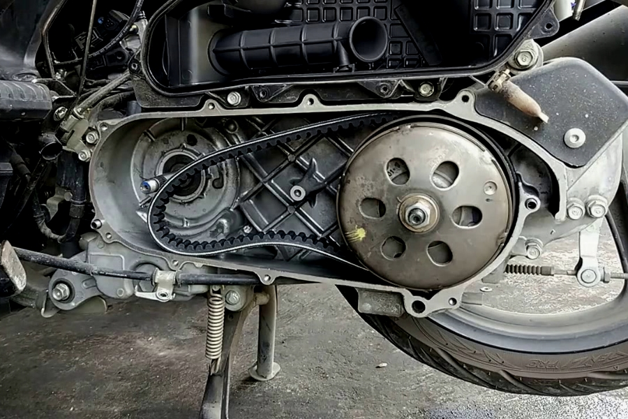 Kenali Tanda Jika CVT Pada Motor Matic Sudah Mau Putus