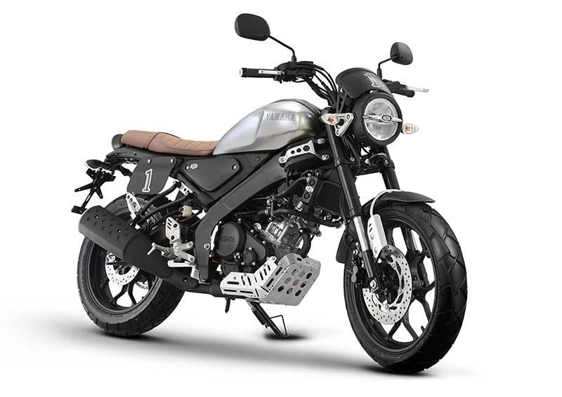 Pakai Aksesoris Resmi, Yamaha XST 155 Makin Ganteng