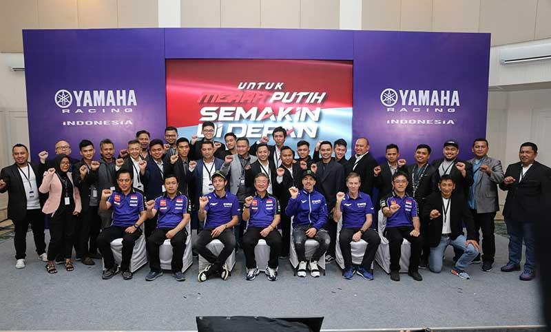 Valentino Rossi Dan Maverick Vinales Semangati Tim Yamaha Racing Indonesia