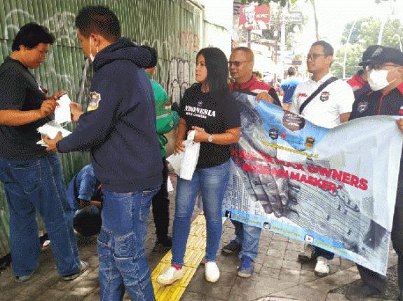 Antisipasi Virus Corona, Bikers Jakarta Max Owner Berbagi Masker