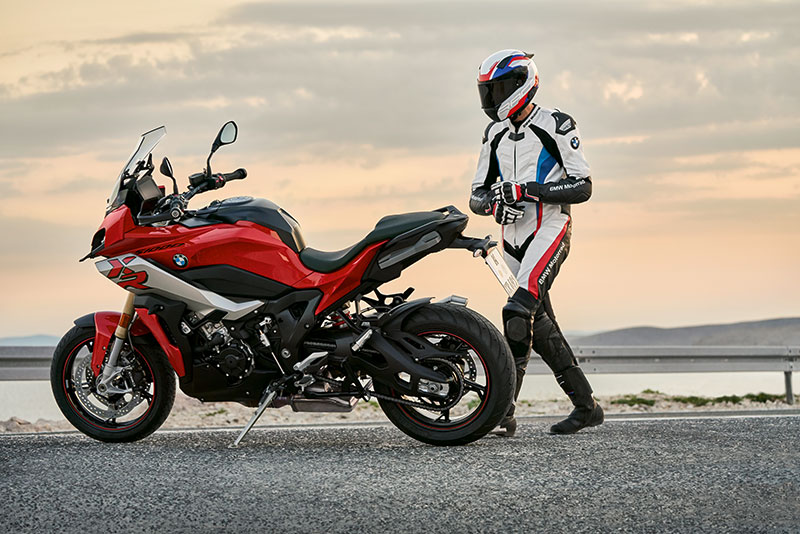 BMW Motorrad Indonesia Luncurkan BMW S1000XR Secara Virtual