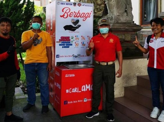Komunitas Honda Bali, Sumbangkan Tempat Pencuci Tangan