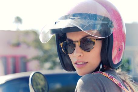 Buat Lady Bikers Perhatikan Poin-poin Penting Ini Dalam Memilih Helm