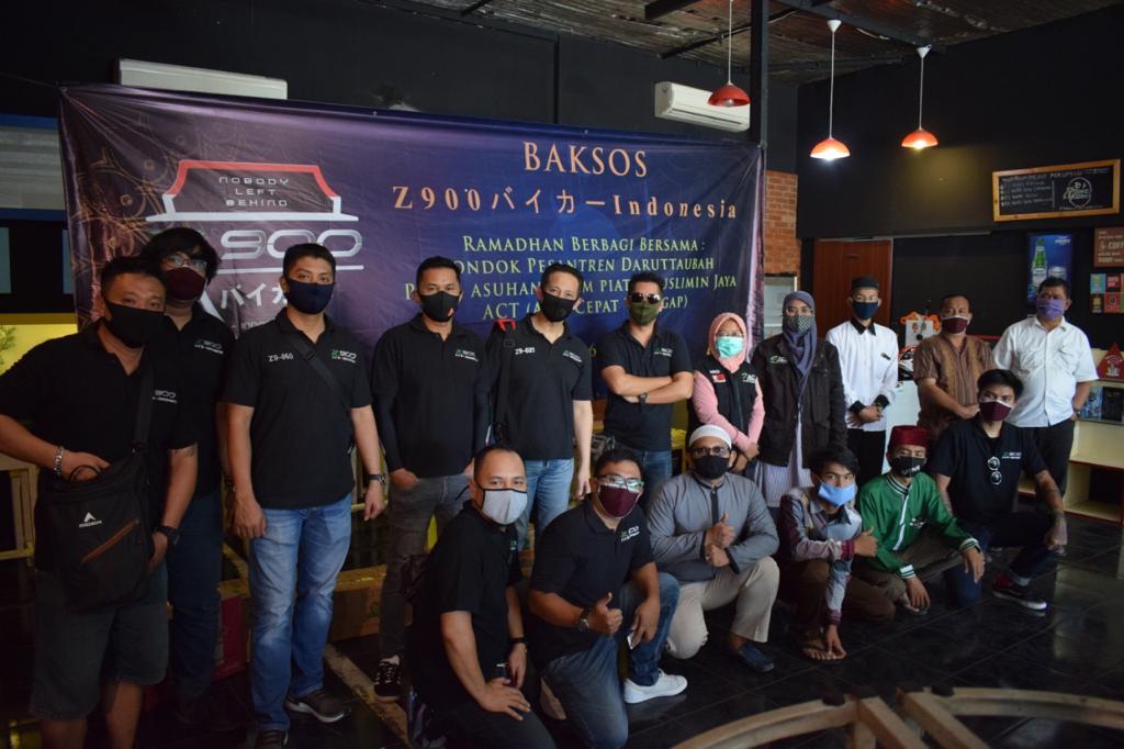 Meski Masih Darurat Corona, Komunitas Z900 Baikaa Indonesia tetap Semangat Berbagi
