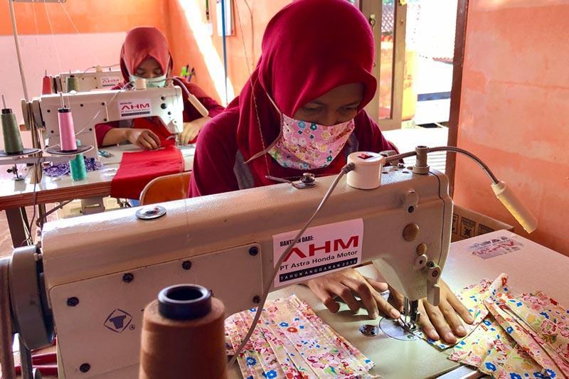 Bantu Wujudkan Indonesia Sehat, Mitra Binaan AHM Beralih Produksi Masker
