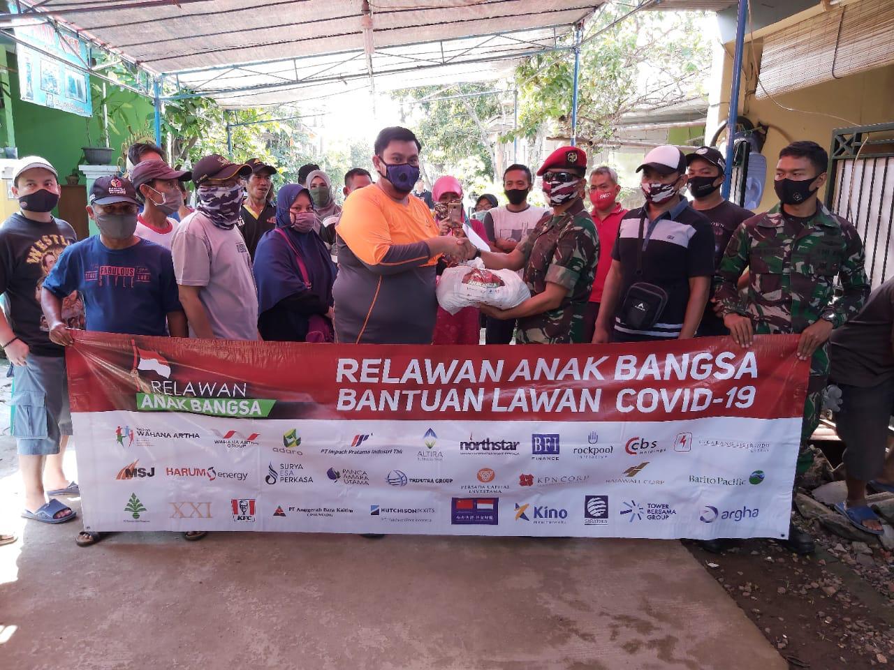 Relawan Anak Bangsa Salurkan Puluhan Ribu Paket Sembako  Pada Warga Membutuhkan