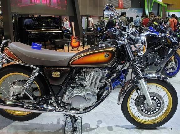 Yamaha SR400 Edisi Ulang Tahun Yamaha Diproduksi terbatas
