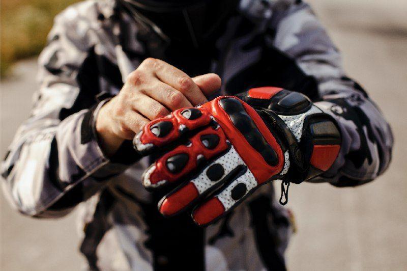 Jangan Asal Pakai Sarung Tangan, Begini Tips Memilih Sarung Tangan Untuk Naik Motor