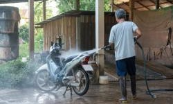 Cuci Motor Sendiri di Rumah, Bagian Ini Jangan Sampai Terkena Air