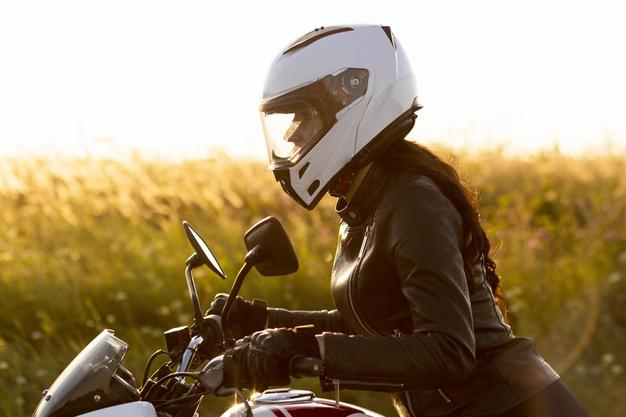 Mau Aman Saat Berkendara Sepeda Motor, Pakai Perlengkapan Ini