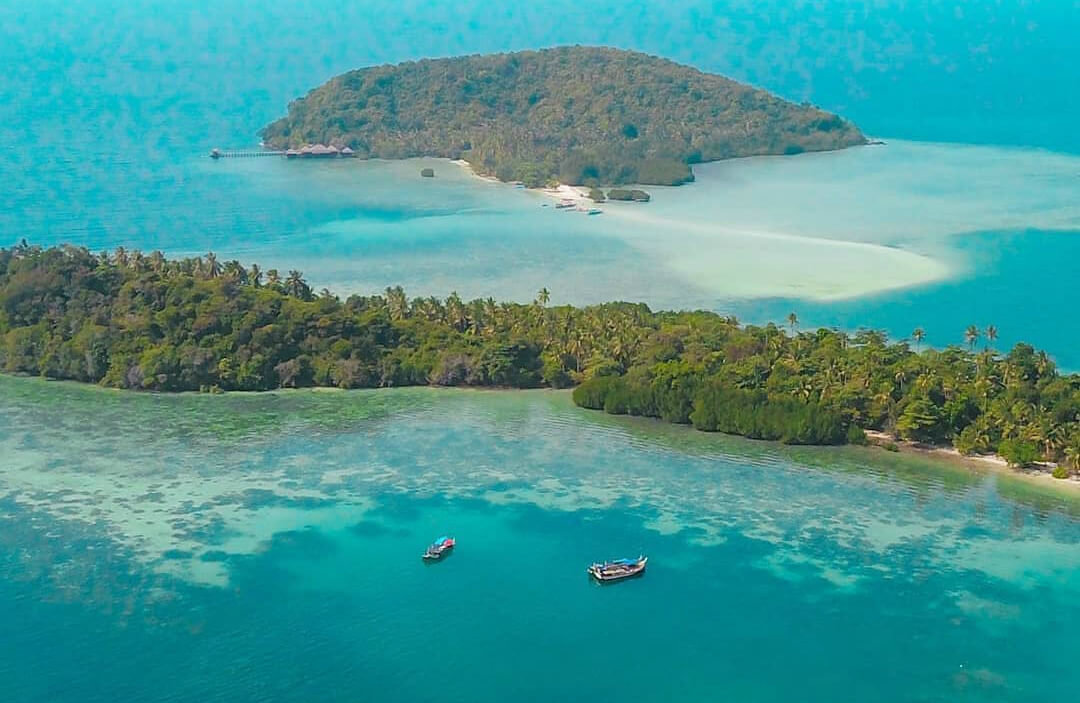 Menikmati Keindahan Bawah Laut di Pulau Pahawang Lampung