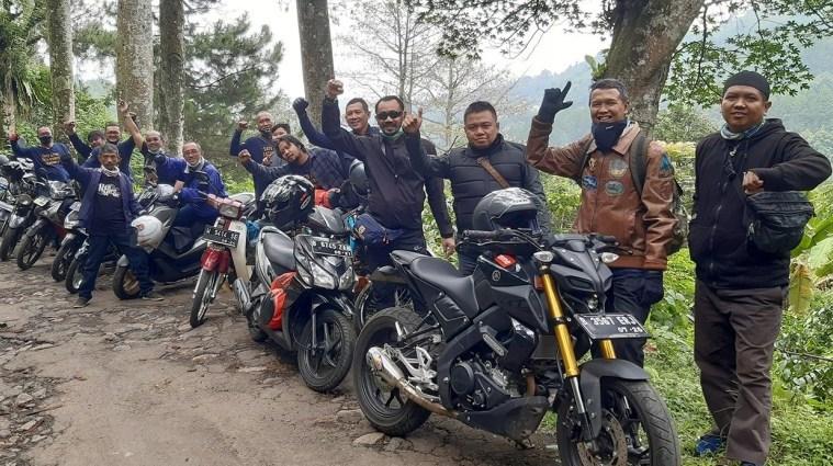 Komunitas LA 32 Riders Touring Nostalgia Ingat Masa Sekolah