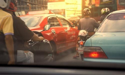 Beberapa Hal Perlu Diperhatikan Saat Mendahului Kendaraan Lain