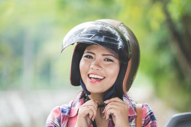 Membersihkan Helm Setelah Kena Hujan Cukup Lakukan 3 Langkah Ini