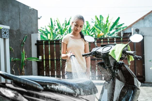 Boleh Tidak Sih Mencuci Motor Kalau Mesin Masih Panas, apa dampaknya