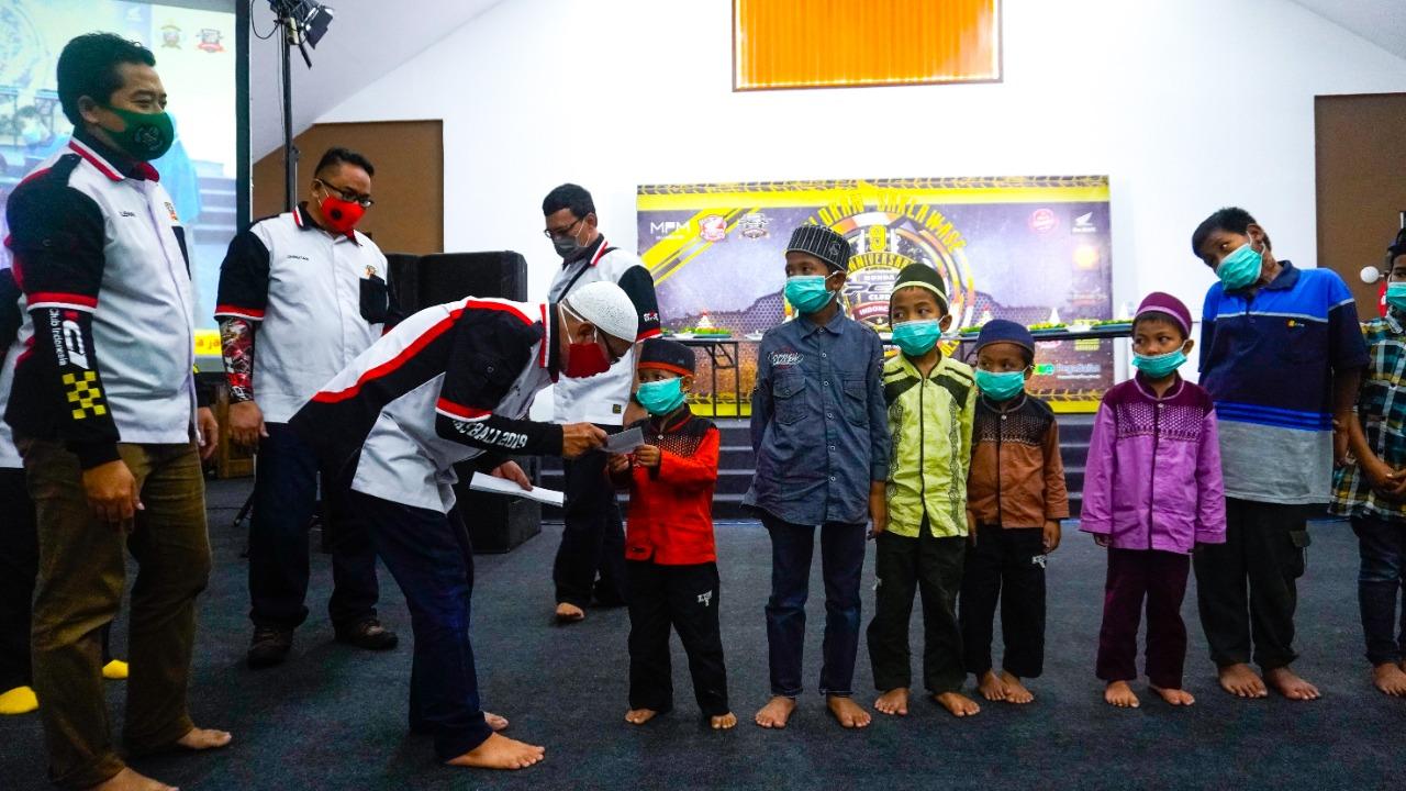 Rayakan Ulang Tahun ke 9, Komunitas Ini Santuni Anak Yatim
