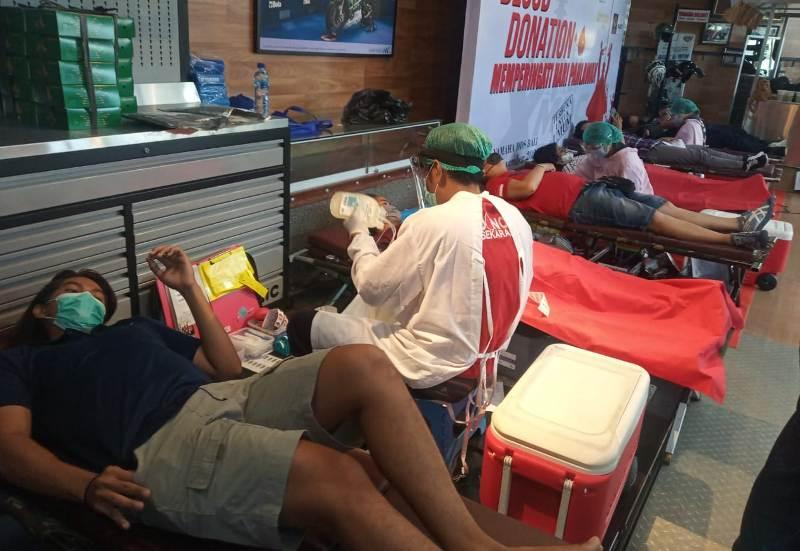 Peduli Sesama Komunitas Motor di Bali Ini Donor Darah