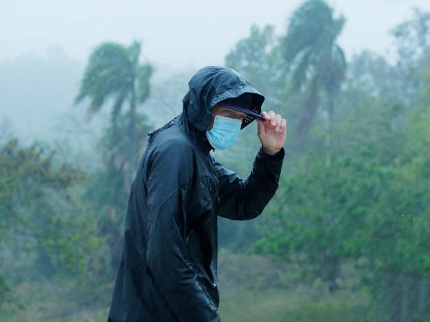Jangan Asal Pakai Jas Hujan Begini Cara Memilih Jas Hujan Yang Tepat