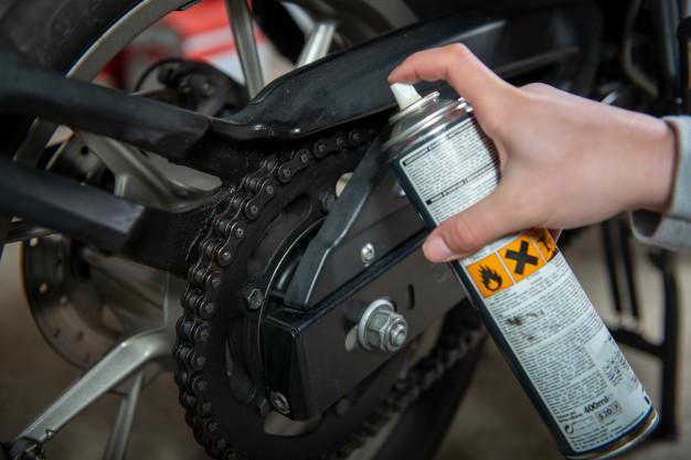 Panduan Cara Membersihkan Rantai Motor Yang Benar
