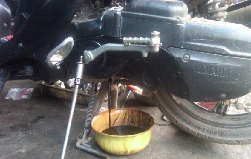 Dampak Buruk Kalau Sering Telat Ganti Oli Mesin Pada Sepeda Motor