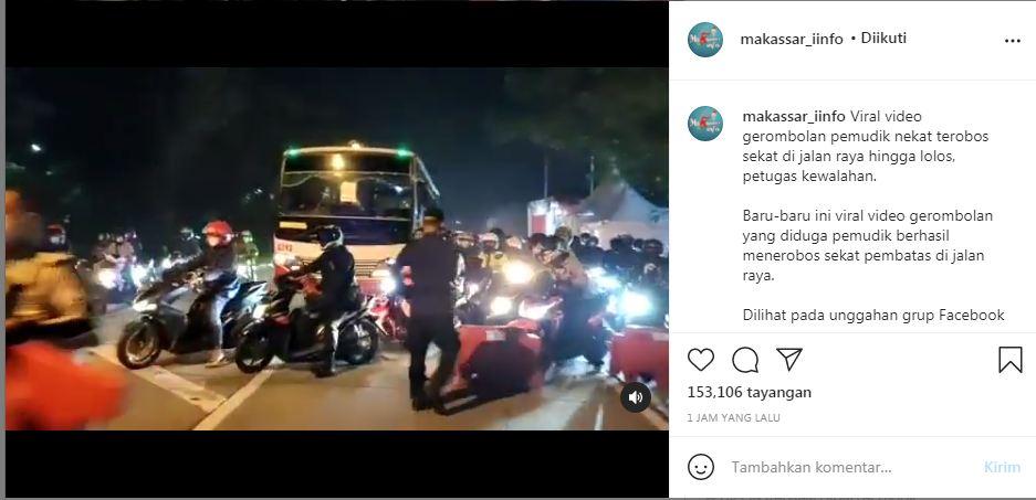 Viral Pemotor Ramai-ramai Terobos Pos Penyekatan Mudik di Karawang