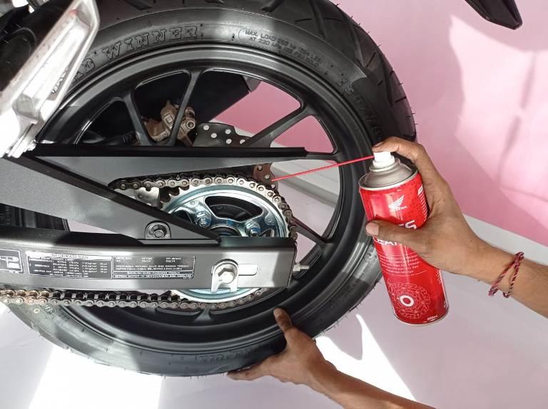 Cara Mencegah Supaya Roda Belakang Tidak Macet