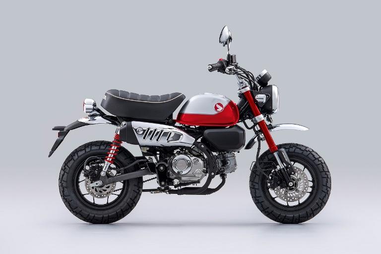 Motor Unik dan Ikonik Honda Monkey Tampil Dengan Warna Baru yang Semakin Memikat